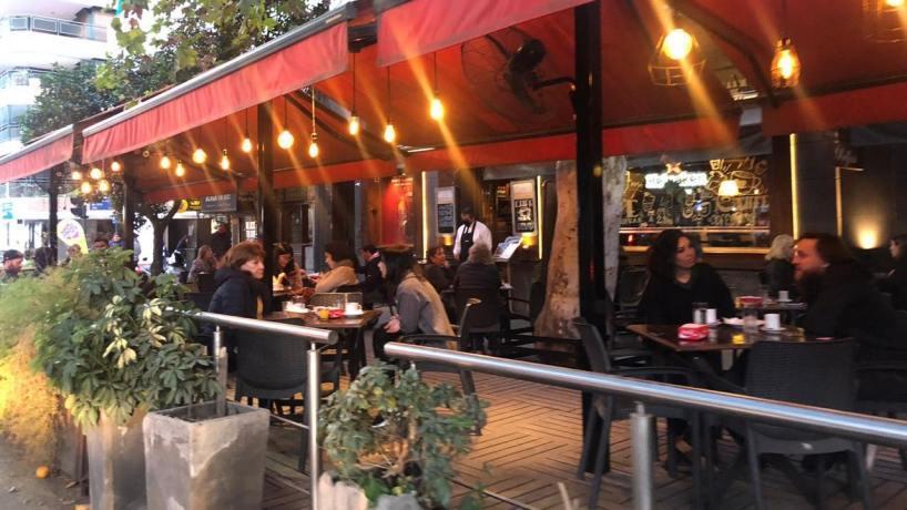 TUCUMAN: El COE permitiría extender el horario de bares y restaurantes