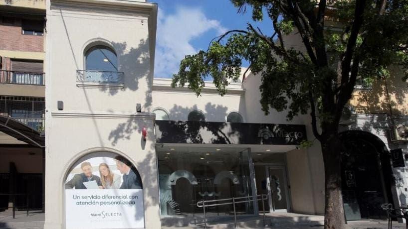 Coronavirus en Tucuman: Cerraron la sucursal del Banco Macro en pleno Barrio Norte