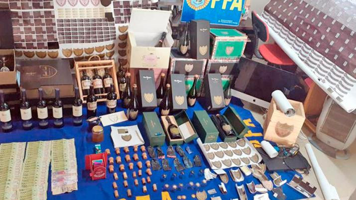 Atraparon a Santiagueños que falsificaban champagne Dom Perignon