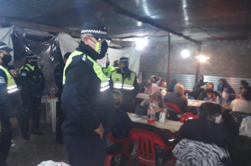 Detienen a 35 mujeres que participaban de una lotería clandestina