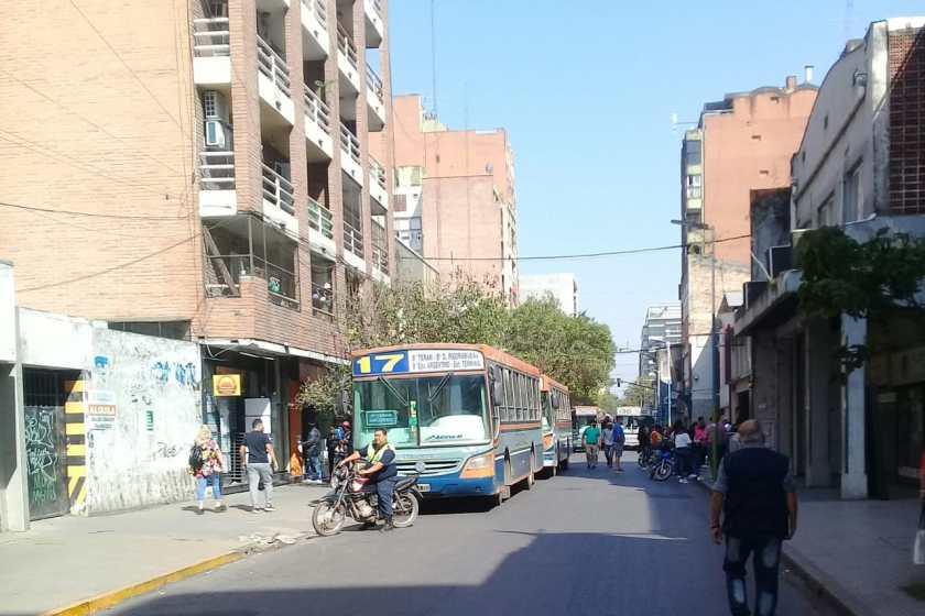Tucumán: El subsidio no termina de llegar y el paro de ómnibus alcanzará las 3 semanas