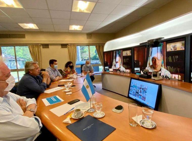 El presidente Fernández acordó con los gobernadores que el martes 29 empezará la vacunación