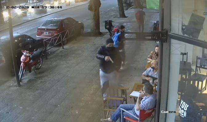 """"""" CONTINÚAN IMPUNEMENTE LOS ATAQUES DE MOTOCHORROS """" (VIDEOS)"""