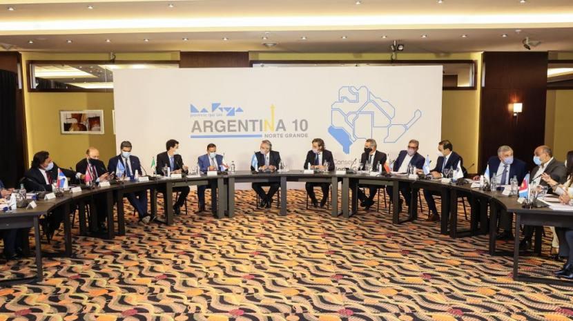 Juan Manzur junto a otros  gobernadores del norte analizan la situación de la región con el Presidente Fernandez