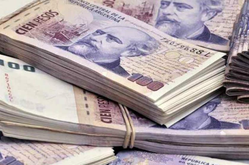 MENDOZA: El gobierno dara un bono de $54 mil a docentes y no docentes