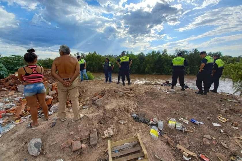 Hallaron el cuerpo de un niño y podria ser el de Brian  : Fue en el Rio Sali a 40 kilometros de donde desapareció