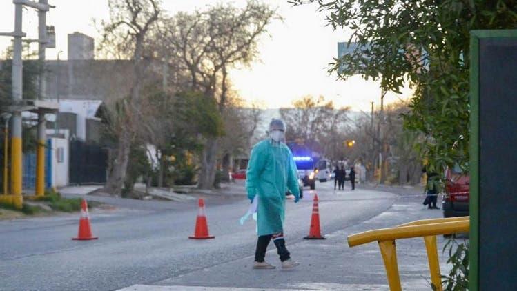"""""""CORONAVIRUS EN TUCUMAN """": 11 muertos, entre ellas un joven de 26 años, y más de 800 casos desde anoche"""