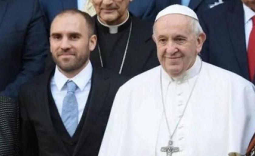 El ministro Guzmán se reunió 45 minutos con el Papa Francisco en el Vaticano