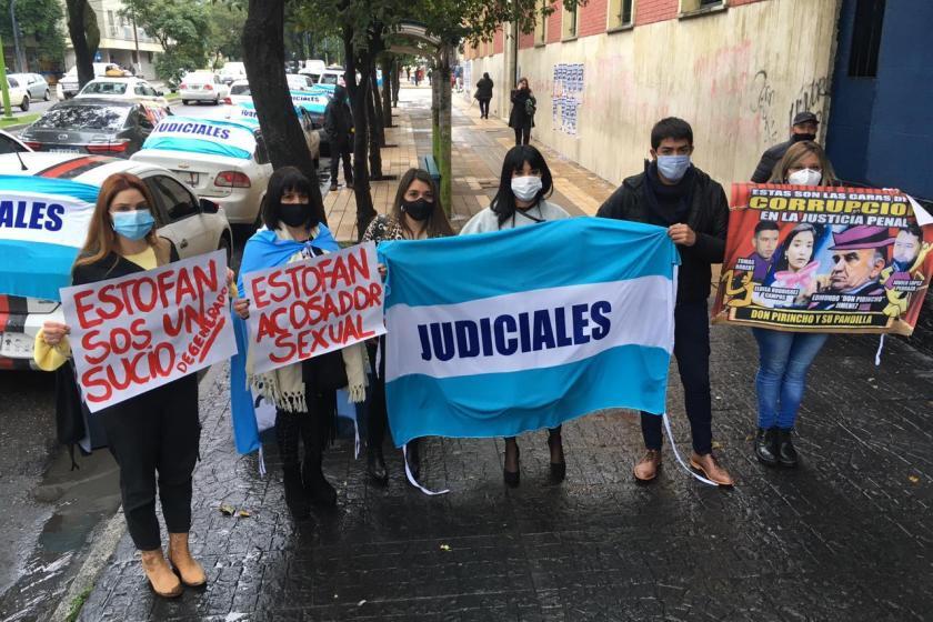TUCUMAN: Realizaron una protesta por las multiples denuncias de acoso sexual en el Poder Judicial