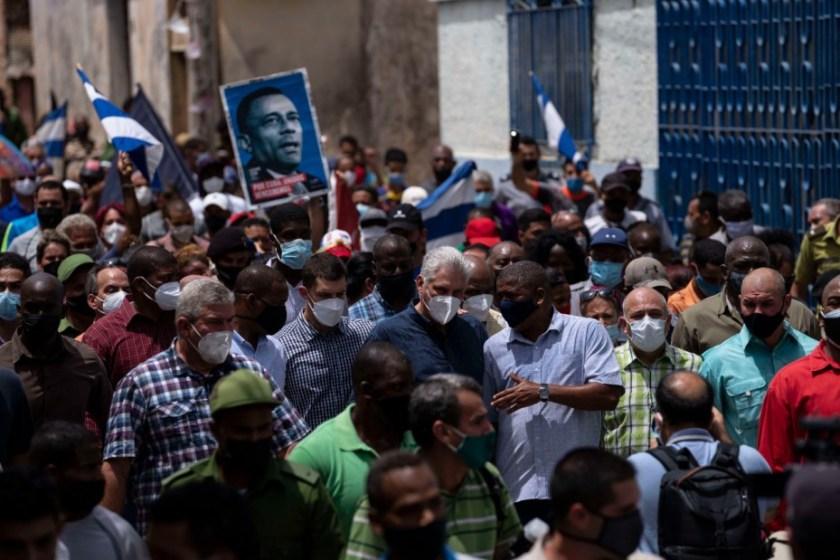 """CUBA: Díaz-Canel llamó a """"combatir"""" las históricas protestas y activó la represión"""