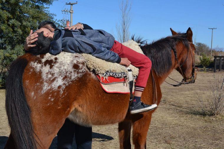 SALUD: El poder terapéutico de un caballo en un niño con autismo
