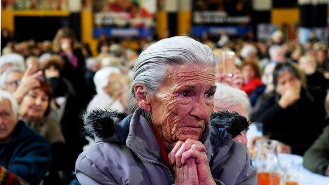 Pagarán un bono a jubilados para compensar lo perdido por la inflación