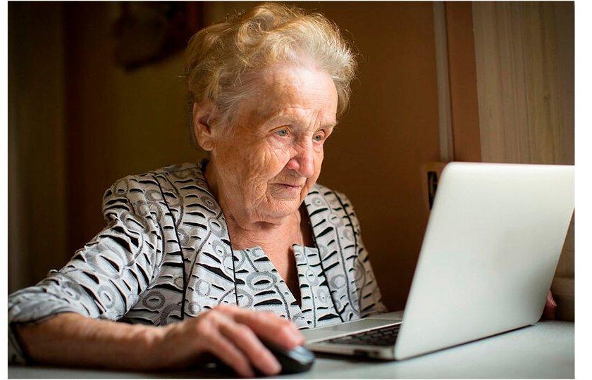 Lanzan un plan para que jubilados compren una computadora en 40 cuotas