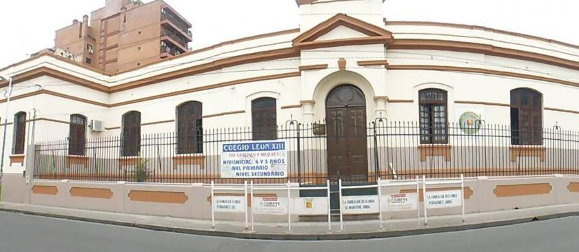 Ante la grave situación económica, el Colegio León XIII comienza a cerrar el secundario