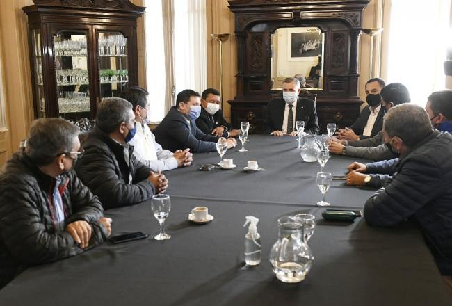 Osvaldo Jaldo y gremios de distintos sectores sentaron bases de trabajo