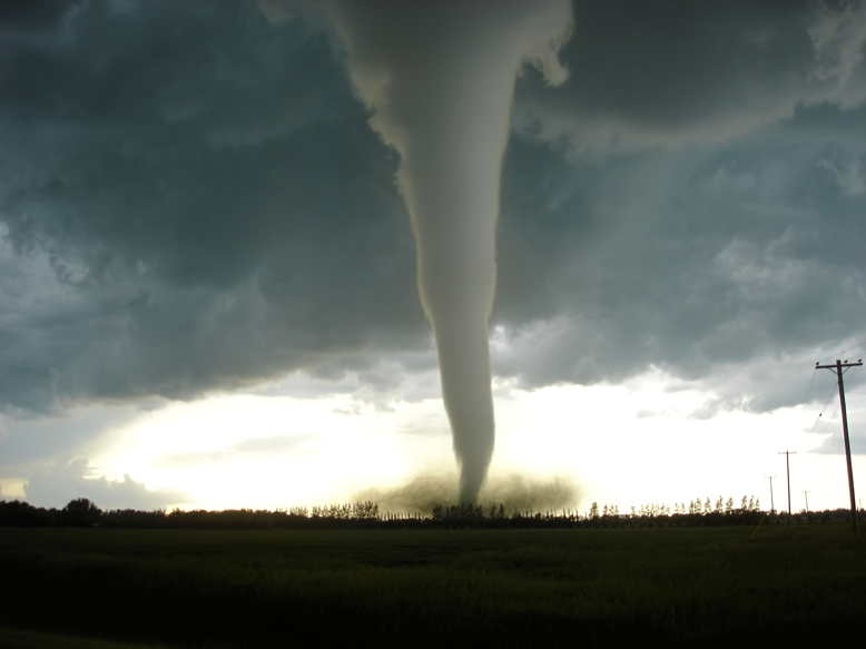 a que se debe soñar con tornado