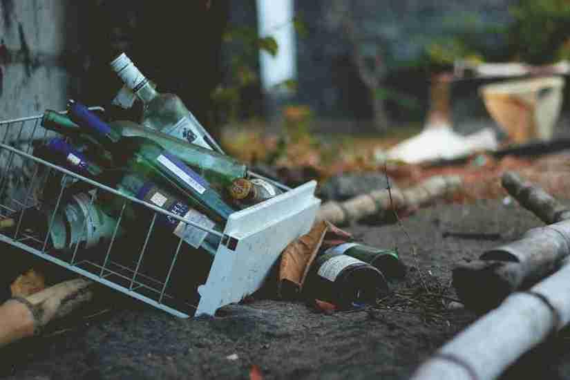 sueños con botellas rotas