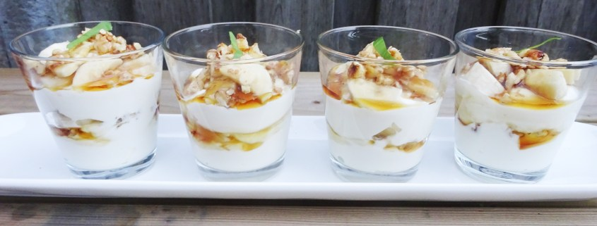 Griekse yoghurt met banaan honing en walnoten