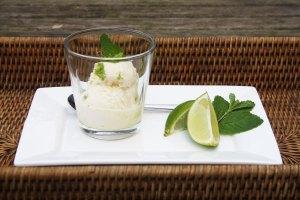 vanille-ijs met limoncello