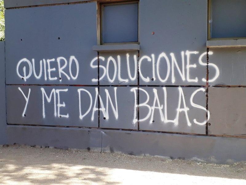 Protestas en Chile. Rayado en contra del la represión.