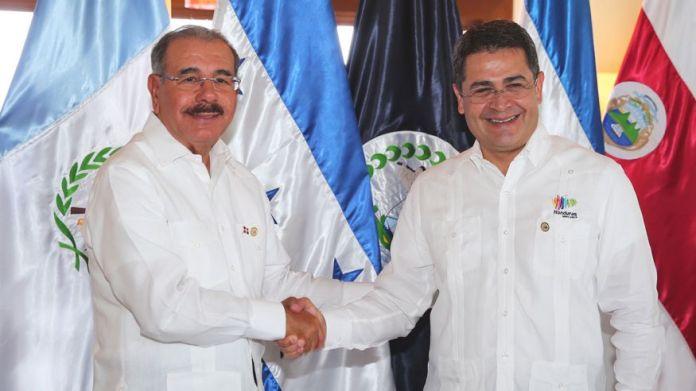 LOS PRESIDENTES DE HONDURAS Y R.D. JUAN ORLANDO HERNANDEZ Y DANILO MEDINA SANCHEZ