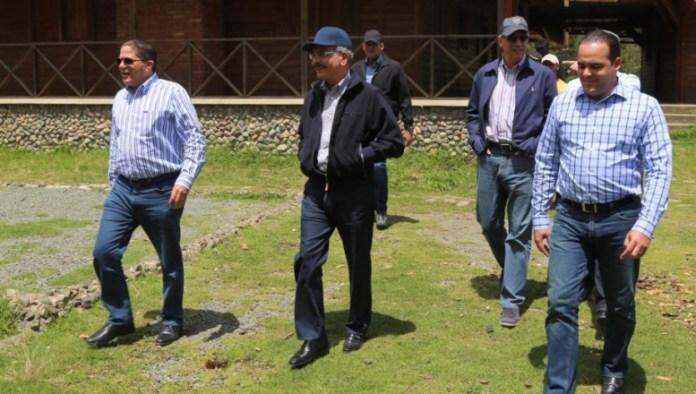 presidente-danilo-medina-camina-en-rancho-arriba