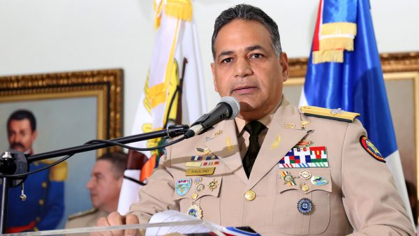 Resultado de imagen para Ministro de Defensa Rubén Paulino Sem, durante entrega de vehículos