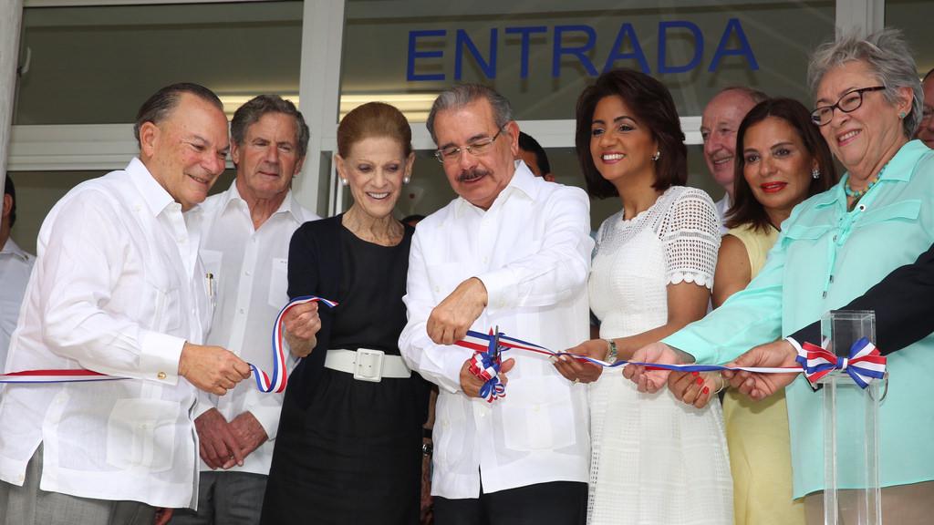 Inauguran centro de atención pediátrica Oscar de la Renta en Verón