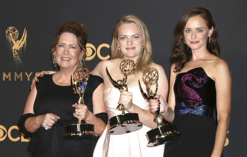 The Handmaid's Tale gana el Emmy como mejor serie dramática
