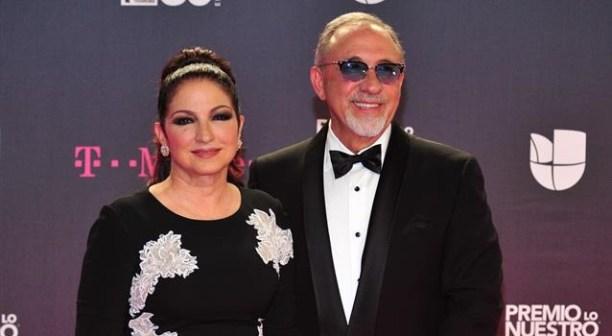 Estrellas latinas se visten de negro en la alfombra de Premios Lo Nuestro Premios-Lo-Nuestro-1.jpg?zoom=1