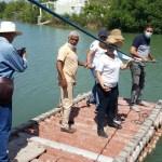 director de indesur, fran herasme, atravieza desembocadura del rio peralta junto a invesionistas colombianos.