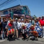 toda la delegación de acroarte en los murales del barrio los pepines de santiago