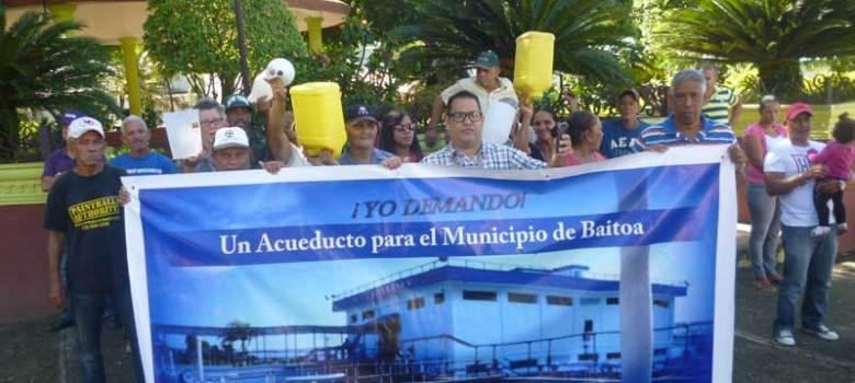 Reclaman construcción acueducto Baitoa