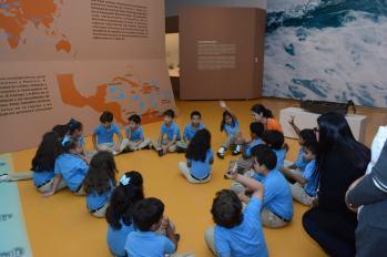 Estudiantes visitan Tesoros del Arte Taíno 2