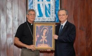 Grupo Popular entrega al Episcopado 7,500 réplicas de la Virgen de La Altagracia (2)
