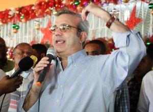 Abinader llama a mantener la fe en el país