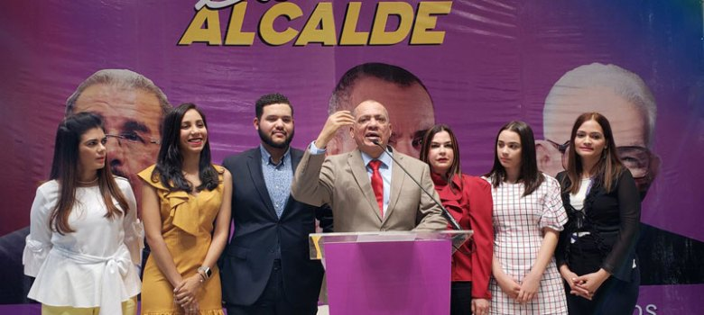 Silvio Durán lanza precandidatura a la Alcaldía Santiago
