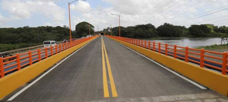 Medina deja en servicio puente Cotuí-La Mata