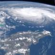 MIAMI.-El Centro Nacional de Huracanes ha informado la tarde de este viernes el huracán Dorian ha pasado a ser un peligro fenómeno atmosférico categoría 3. Se localizó el ojo del huracán Dorian cerca de la latitud 24.8 norte, longitud 70.3 oeste. Dorian se está moviendo hacia el noroeste cerca de 10 mph (17 km / h). Un oeste más lento el movimiento de noroeste a oeste debería comenzar esta noche y continuar a principios de la próxima semana. El núcleo de Dorian debería moverse sobre el Atlántico al norte del sureste y centro de Bahamas hoy y mañana, estar cerca o sobre el noroeste de Bahamas en Domingo, y estar cerca de la península de Florida el lunes por la noche. Los datos de un avión de reconocimiento indican que los vientos máximos sostenidos han aumentado a cerca de 115 mph (185 km / h) con ráfagas más altas. Dorian es un huracán de categoría 3 en la escala Saffir-Simpson. Se pronostica un fortalecimiento adicional, y se anticipa que Dorian seguirá siendo extremadamente peligroso.