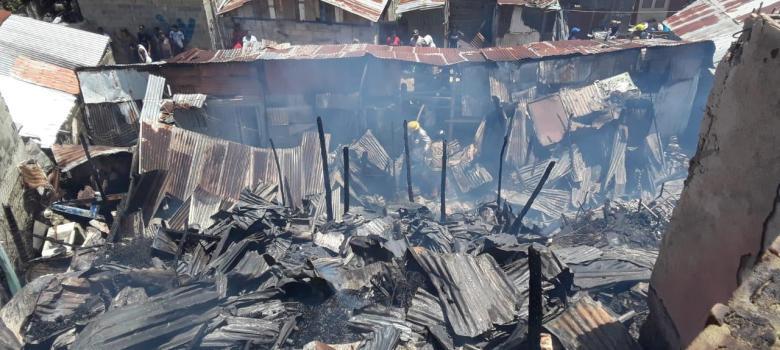 Incendio destruye 3 pensiones y otras tres