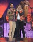 Romeo Santos y Frank Reyes en el MetLife Stadium