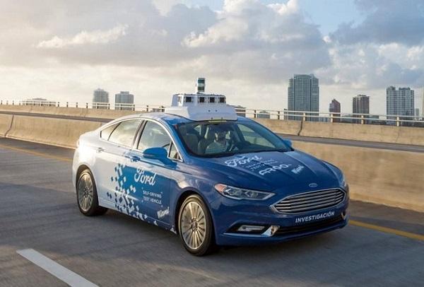 Ford ya tiene el C-V2X - El Sol Latino
