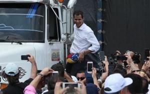 Juan Guaidó anunció el inicio de movilización de los primeros camiones de ayuda humanitaria desde Colombia hacia la frontera con Venezuela. Foto cortesía