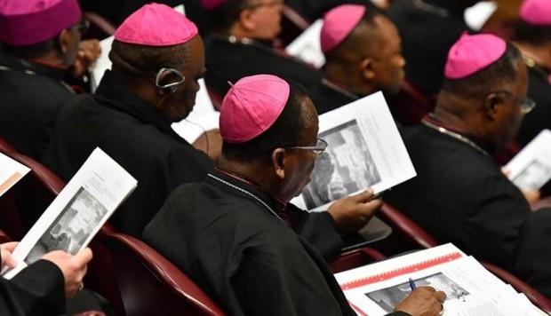 Los obispos leyeron documentos de la ONU. Foto cortesía