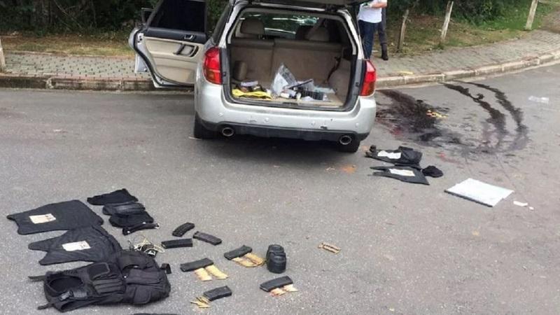 Los sospechosos huyeron en cinco automóviles blindados. Foto cortesía