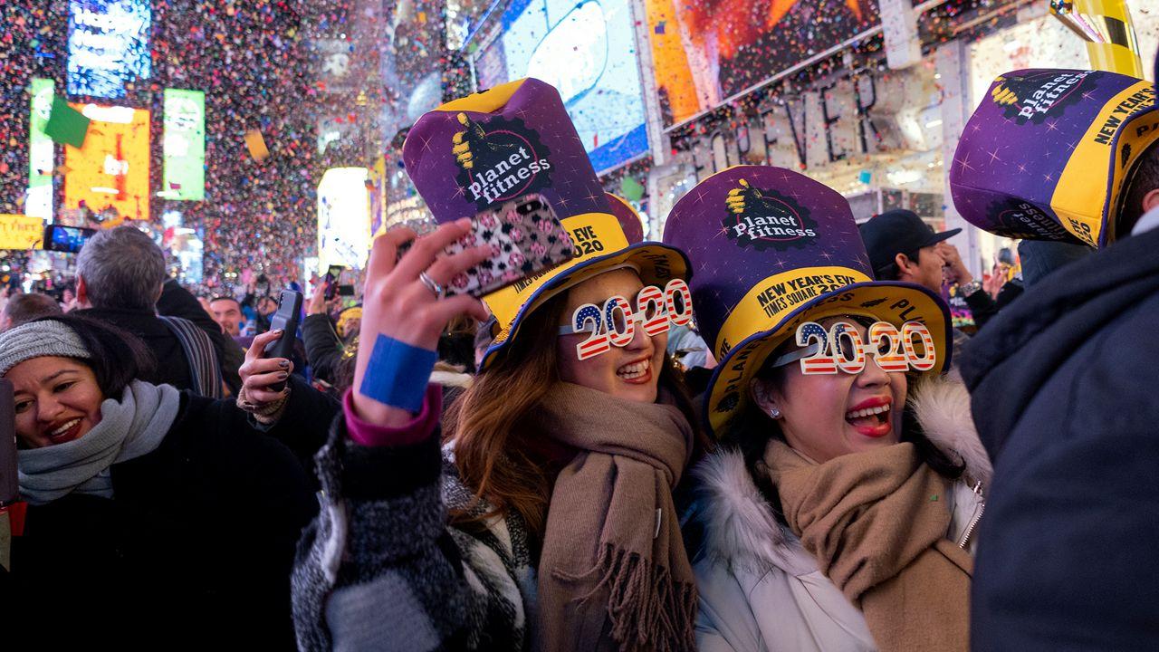 Déjà vu de 113 años en Times Square - El Sol Latino
