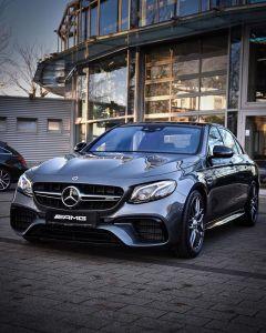 Mercedes-AMG E63 del 2021 - El Sol Latino