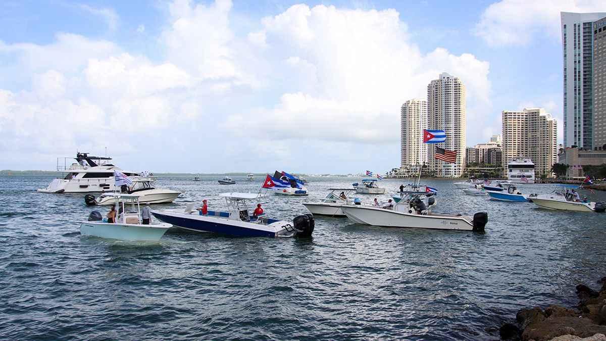 cubanos-miami-flotilla