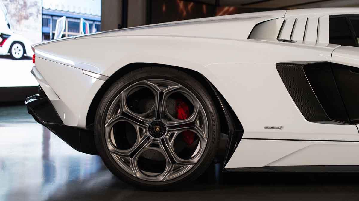Lamborghini Countach - El Sol Latino