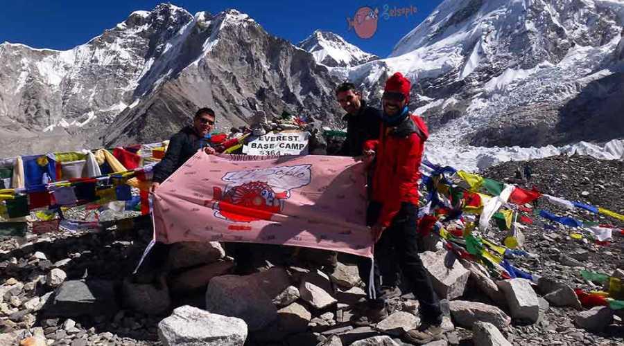 Bandera elsoplo en CB Everest